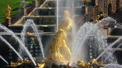 famous petergof Samson fountain in St. Petersburg Stock Video Footage