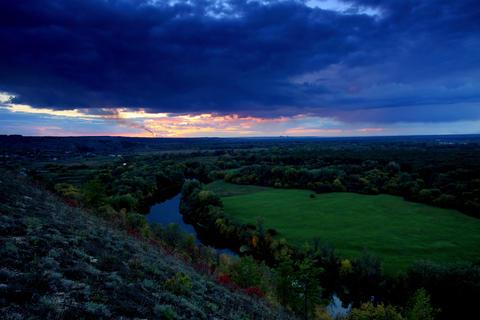 4K. Timelapse sunset on the river Seversky Donets Stock Video Footage