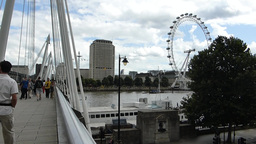 Hungerford Bridge, with sound (LONDON Hungerford B Stock Video Footage
