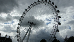 London Eye, pan from top to base of structure, Lon Stock Video Footage
