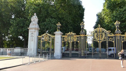 Canada Gate in Green Park, near Buckingham Palace, Stock Video Footage