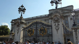 Ceremonial Australia Gate at Buckingham Palace, Lo Stock Video Footage