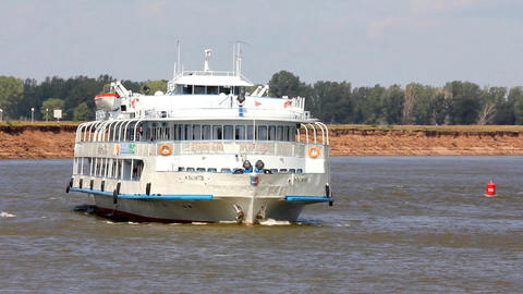timelapse - passenger ship floating in the river Stock Video Footage