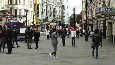 Piccadily Circus London 8 handheld Footage