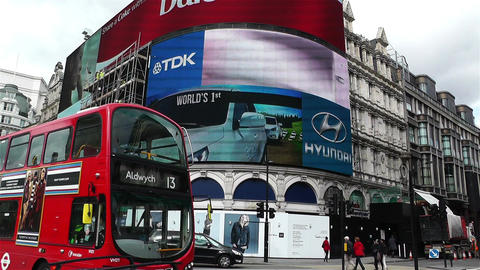 Piccadily Circus London 15 handheld Footage
