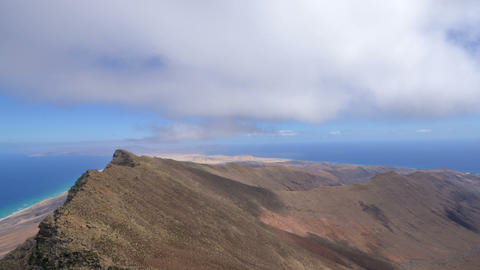 time lapse clouds over pico de Mocan zoom pan Stock Video Footage