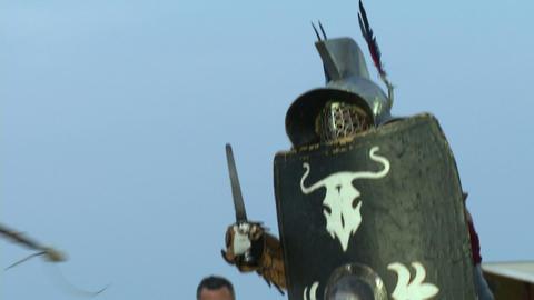 gladiator munus Hoplomachus Thraex 02 Stock Video Footage