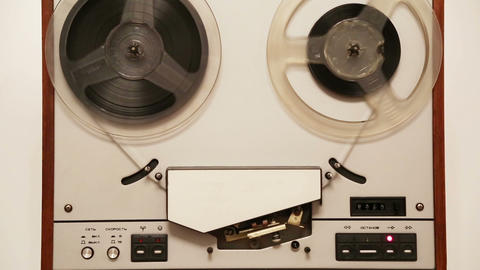 old reel tape recorder with spinning reels Stock Video Footage