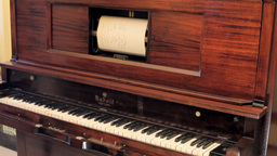 Piano vintage automatic zoom in editorial Stock Video Footage