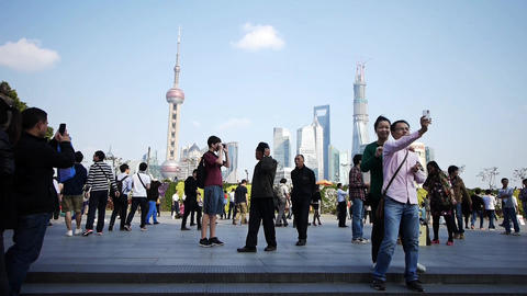 time lapse,tourist tour the Huangpu River,Shanghai lujiazui business building Animation