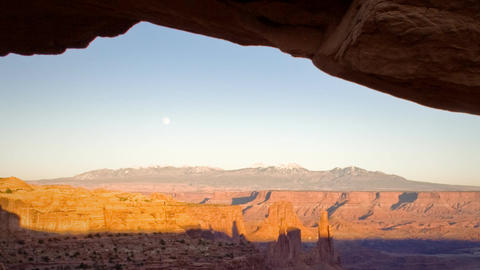 (1132) Mesa Arch Canyonlands Sunset Full Moon Over Utah... Stock Video Footage