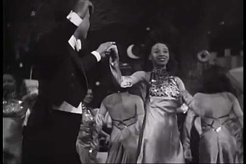 Lena Horne sings a song onstage in 1939 Footage