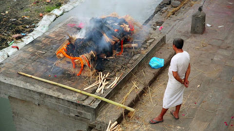 death corpse burning fire, cremation ceremony, pas Footage