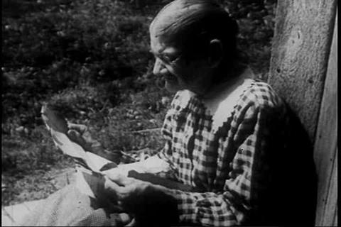 Pete Seeger narrates this documentary in 1946 abou Live Action