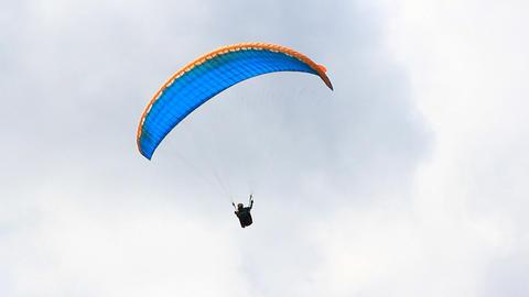 Paragliding 0