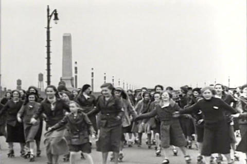 Roller skating is a fad in 1934 Footage
