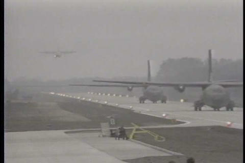 Bizarre footage from 1983 shows military planes la Footage