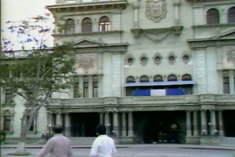 Costa Rica is a democracy in the 1980s, but El Sal Footage