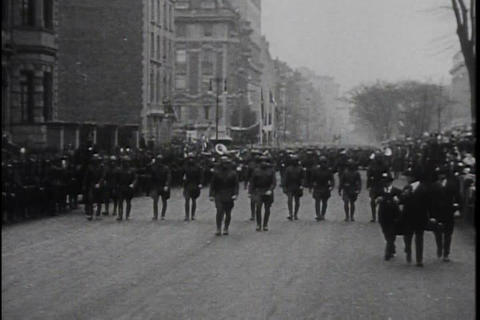 U.S. army troops return home from World War One to Footage