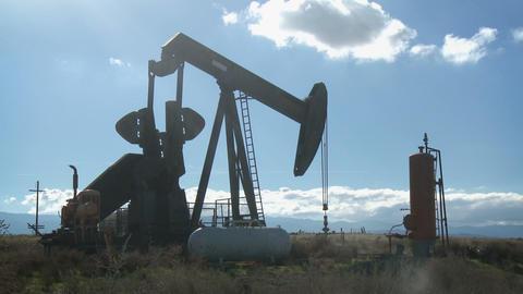 Broken Down Oil Pump Time-lapse ビデオ
