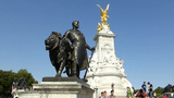 The Victoria Memorial, Buckingham Palace, London.  Footage