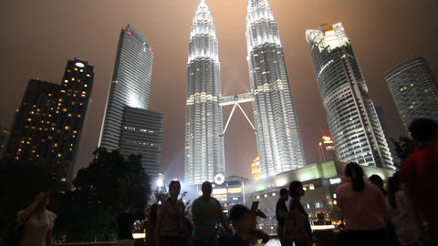 Petronas night time tilt from center bridge viewpo Footage