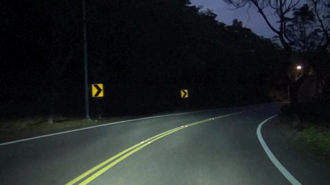 driving on the country at night Live影片