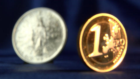 Money series: defocus from euro to liberty dollar Stock Video Footage