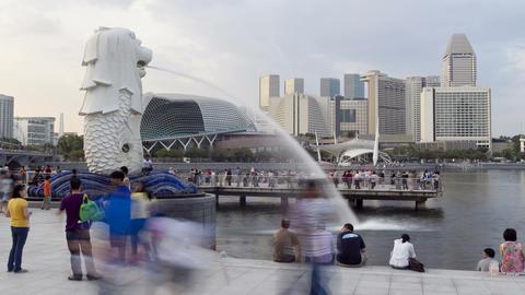 Singapore, Merlion Fountain, Esplanade in backgrou Footage