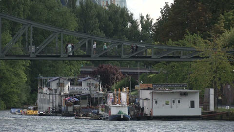 House boats on the Main in Frankfurt Live Action
