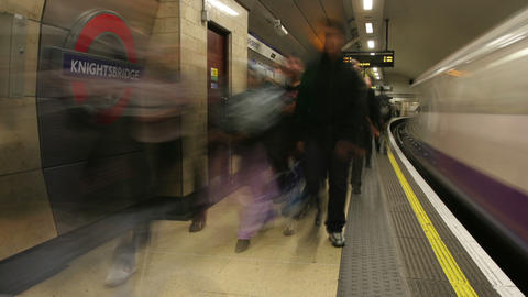 Timelapse England subway] Live Action