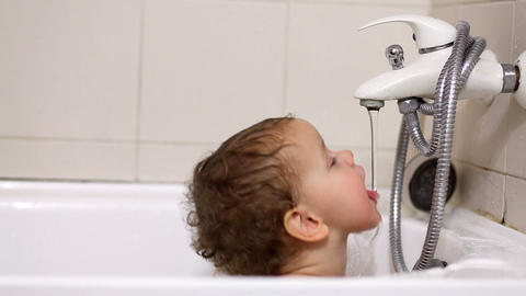 baby in bath tub Stock Video Footage