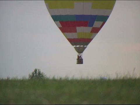 landing balloon Stock Video Footage