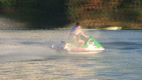 Jet Ski on Lake 02 Filmmaterial