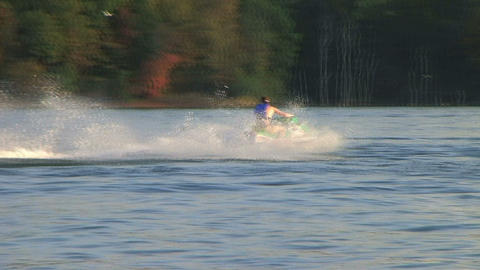 Jet Ski on Lake 02 lizenzfreie Videos