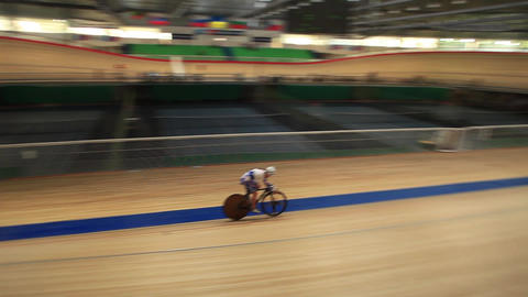 Cycling track Pursuit tracking focus Film Tilt Footage