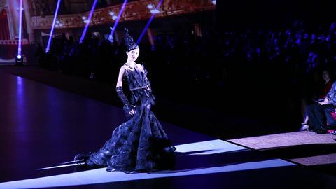 Fashion Extravaganza brings western and eastern fa Footage