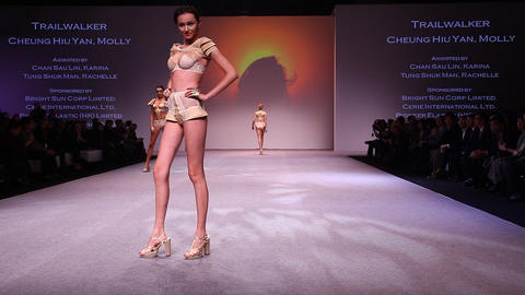 Intimate Fashion Catwalk Haute Couture top models Live Action