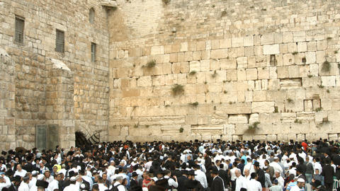 4K UHD Jews Pray at the Western Wall the night bef Footage
