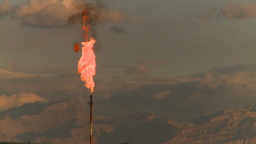 HD2008-8-1-19 gas flare Stock Video Footage