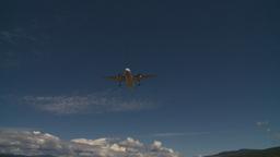 HD2008-8-2-27 Dash8 on approach thru frame Stock Video Footage