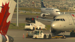 HD2008 8 9 5 jet exhaust 737 taxi Stock Video Footage