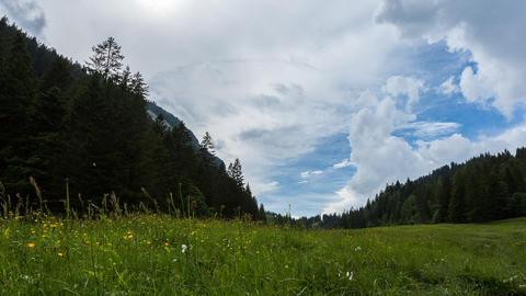 Wolken am Hörnlepass Footage