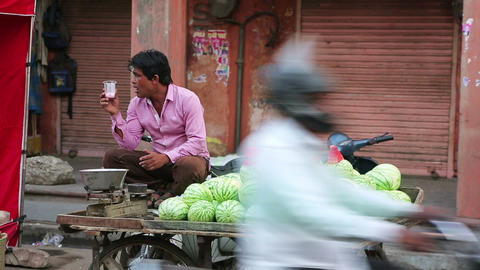 JAIPUR, INDIA - APRIL, 2013: Water melon vendor Footage