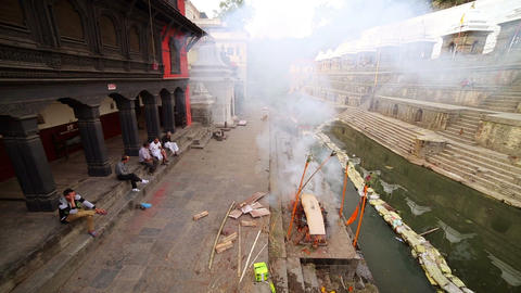 KATHMANDU, NEPAL - JUNE 2013: cremation at pashupa Stock Video Footage