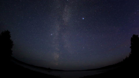 Starry sky over the lake Moiseevskoe, Valdaysky di Stock Video Footage