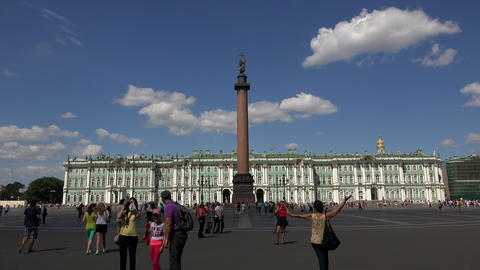 The palace square in st. Petersburg. 4K Footage