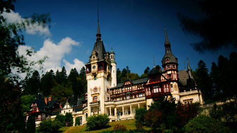 Peles royal castle in Sinaia, Romania. Cloud time Stock Video Footage