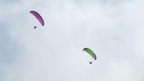 acrobatic paragliding synchro green magenta 21 Footage