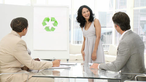 Business woman presenting the concept of recycling Animation